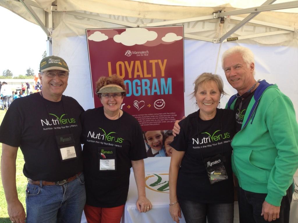 Melbourne - from Left, Bronze PD Hank & Lyn Leine, ED's Anna & John Laidler.JPG~RFa56cf36.jpg~RFa589d2e